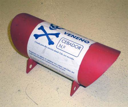 Foto 5. Cebadero de plástico de la empresa APNSA./ Desinsectador 07-2013