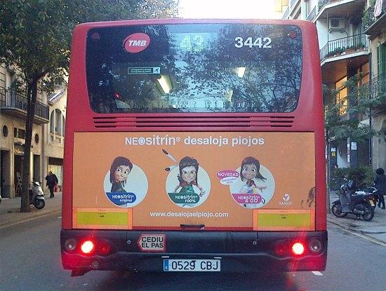 Foto 1. Anuncio de Neositrín en un autobús en Barcelona./ Desinsectador 12-11-2013